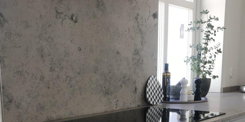 Benkeplater av kalkstein til ditt hjem